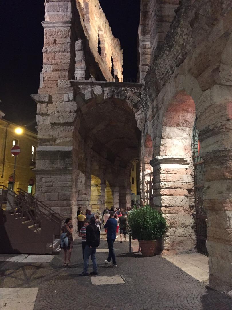 Arena Verona von außen