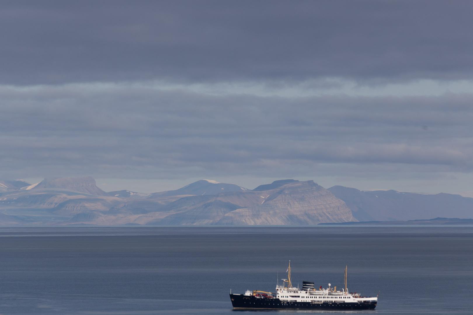 M/S Nordstjernen im Isfjord