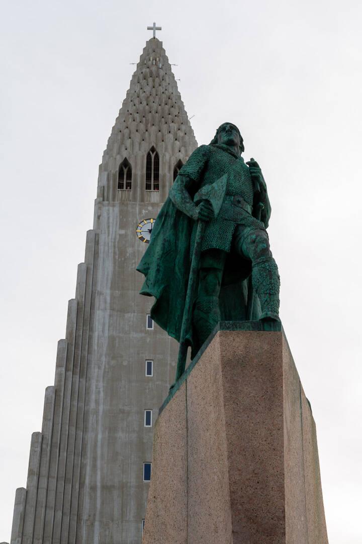 Leif Eriksson in front of the Hallgrímskirkja